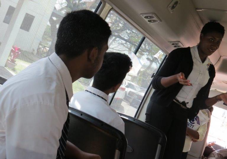 Naparima_College